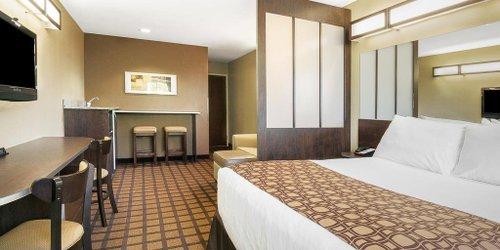 Забронировать Microtel Inn & Suites by Wyndham Austin Airport
