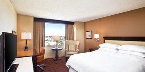 Забронировать Sheraton Austin Hotel at the Capitol