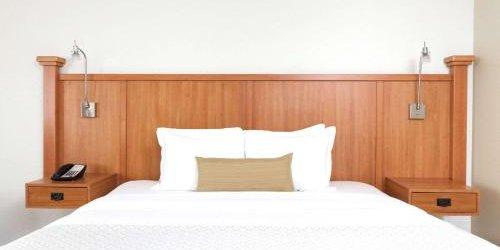 Забронировать Wyndham Garden Hotel Austin