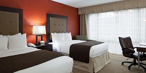 Забронировать Holiday Inn Austin Northwest Plaza / Arboretum Area