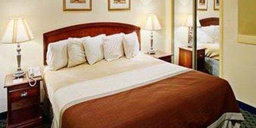 Забронировать Orangewood Suites