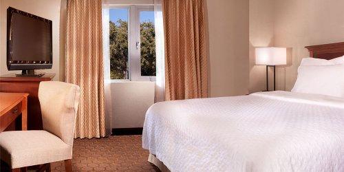 Забронировать Embassy Suites Austin - Arboretum