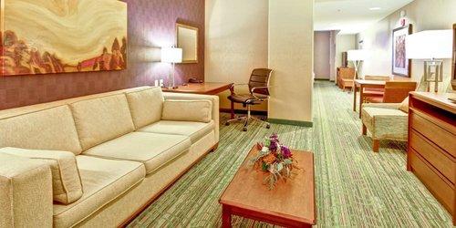 Забронировать Hampton Inn & Suites Denver-Downtown
