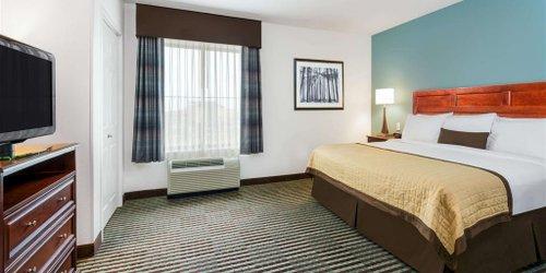 Забронировать Baymont Inn And Suites Denver International Airport