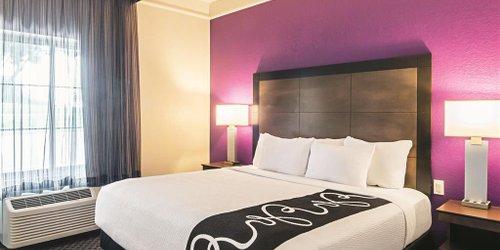 Забронировать La Quinta Inn & Suites Denver Airport DIA