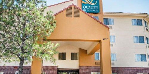 Забронировать Quality Inn & Suites Denver International Airport