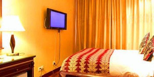 Забронировать Urumqi Tumaris Hotel