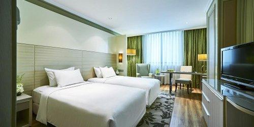 Забронировать Windsor Plaza Hotel