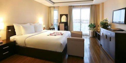 Забронировать Rising Dragon Palace Hotel