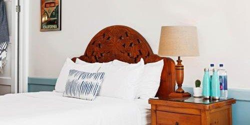 Забронировать The Hotel California