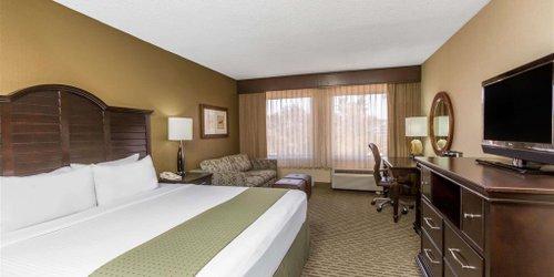 Забронировать Wyndham Santa Monica At The Pier