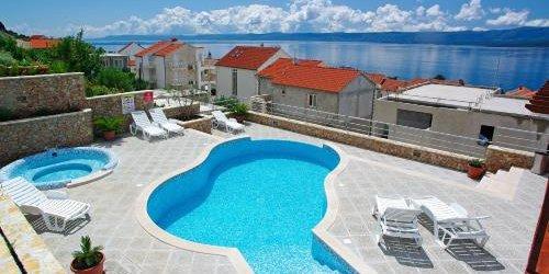 Забронировать Villa Lara Apartments