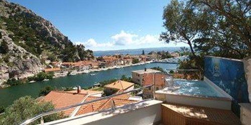 Забронировать Hotel Villa Dvor