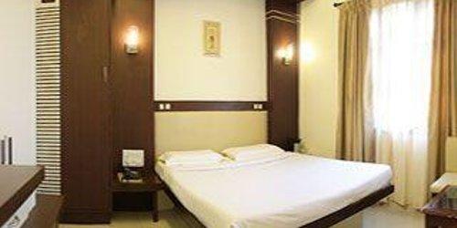 Забронировать Hotel Golden Residency