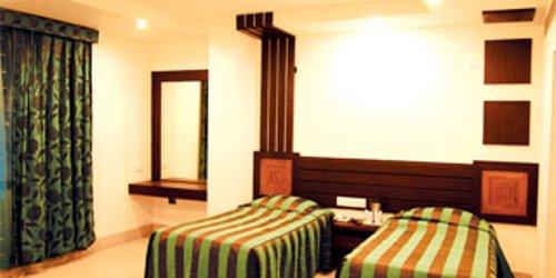 Забронировать Hotel Royale Residency
