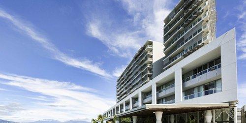 Забронировать Cairns Harbour Lights