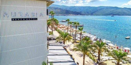 Забронировать Malibu Beach Hotel
