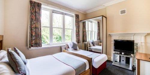 Забронировать The Briary Hotel - Guest House