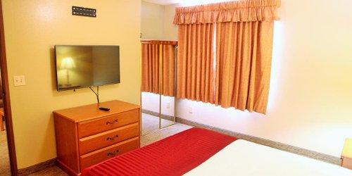 Забронировать Cal Expo Inn and Suites