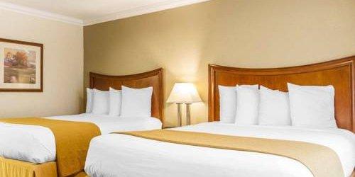 Забронировать Quality Inn Sacramento