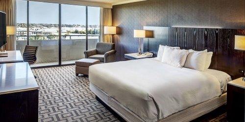 Забронировать Hilton Sacramento Arden West