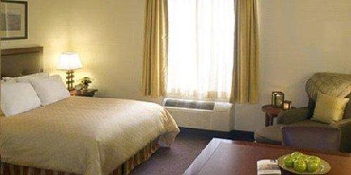 Забронировать Larkspur Landing Sacramento-An All-Suite Hotel