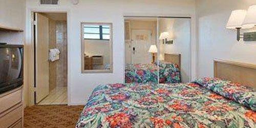 Забронировать Key West Bayside Inn & Suites