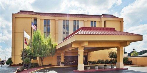 Забронировать La Quinta Inn & Suites Memphis Airport Graceland