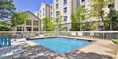 Забронировать Hampton Inn & Suites Memphis-Shady Grove
