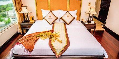 Забронировать Imperial Hue Hotel