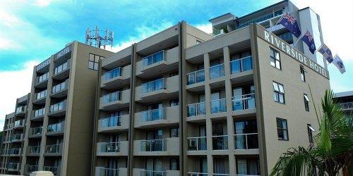Забронировать Riverside Hotel South Bank
