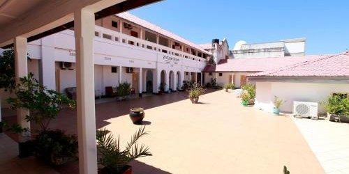 Забронировать New Palm Tree Hotel