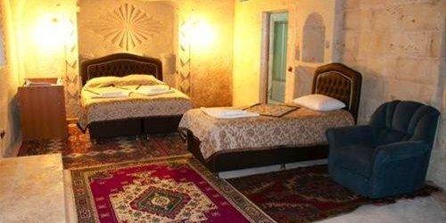Забронировать Local Cave House Hotel