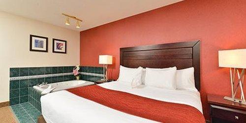 Забронировать Comfort Inn & Suites Airport Calgary