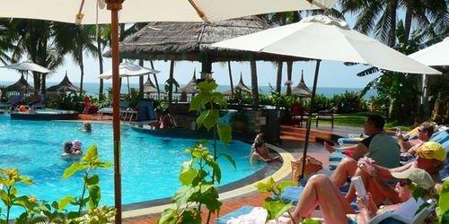 Забронировать Canary Beach Resort