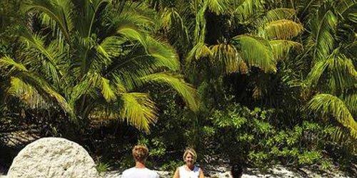 Забронировать Four Seasons Resort Bora Bora