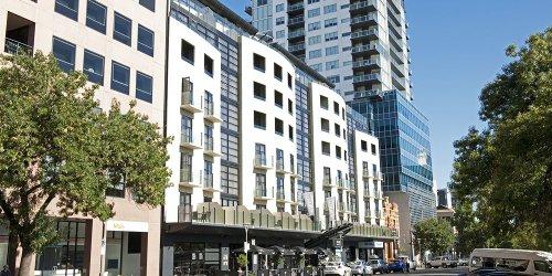 Забронировать Mantra Hindmarsh Square