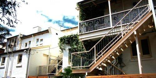 Забронировать Glenelg Beach Hostel