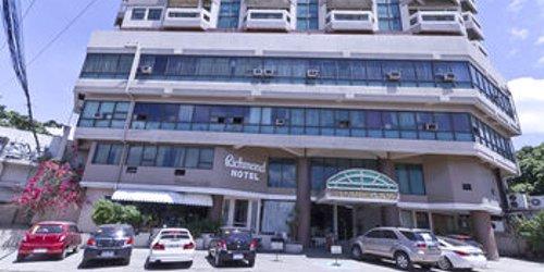 Забронировать Richmond Plaza Hotel