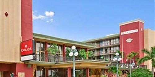Забронировать Ramada Hollywood Downtown