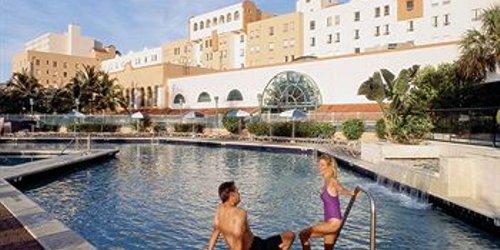 Забронировать The Hollywood Beach Resort by RevMBE Consulting