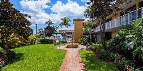 Забронировать Quality Inn & Suites Hollywood Boulevard