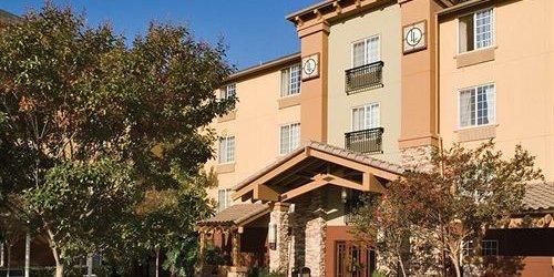 Забронировать Larkspur Landing South San Francisco-An All-Suite Hotel