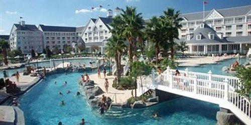 Забронировать Disney's Yacht Club Resort