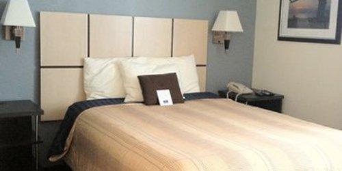 Забронировать Candlewood Suites Miami Airport West