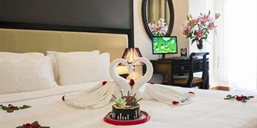 Забронировать Hue Serene Palace Hotel