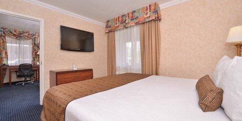 Забронировать BEST WESTERN InnSuites Phoenix Hotel & Suites
