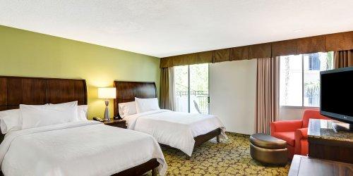 Забронировать Hilton Garden Inn Phoenix Midtown