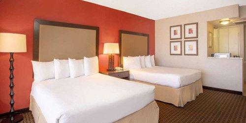 Забронировать Holiday Inn Downtown North