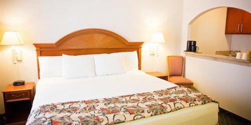 Забронировать La Quinta Inn Phoenix - Arcadia